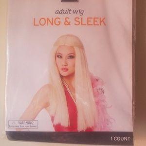 Women's wig.